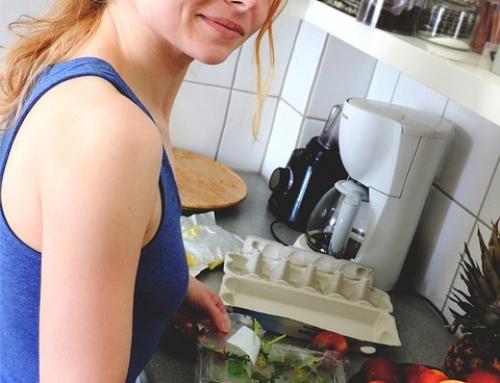 Bauchmuskeln werden in der Küche trainiert